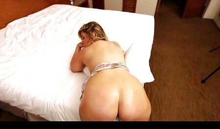 Felicia um e sexo brasileiro gratis sofá