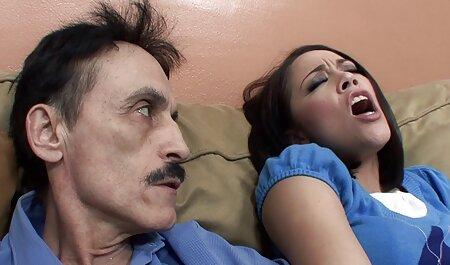 Darinka ver vídeos pornográficos grátis imprudente na cama
