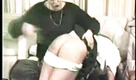 Loira esbelta Sara Jay nas escadas vídeos pornô grátis 2019